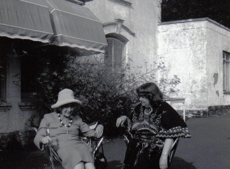 Acclaimed novelist Jean Rhys dies in Exeter